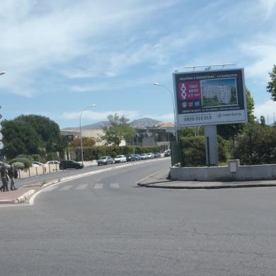 Panneau Trivision à Marseille